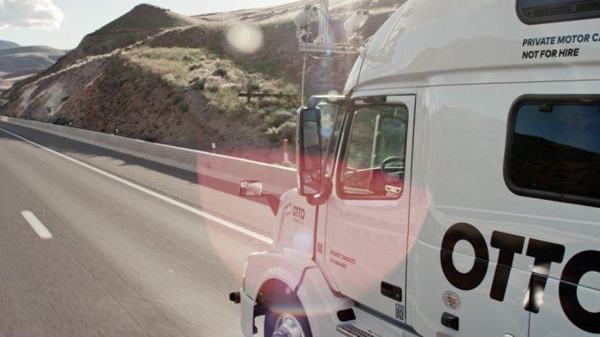 Camiones autónomos de Otto circulando por las carreteras de los EU