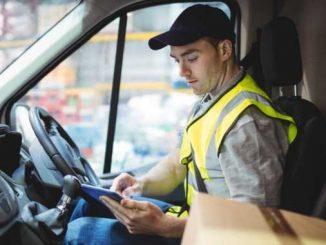 Conductor y repartidor de mensajería