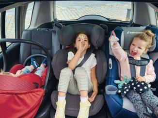 Niños en auto